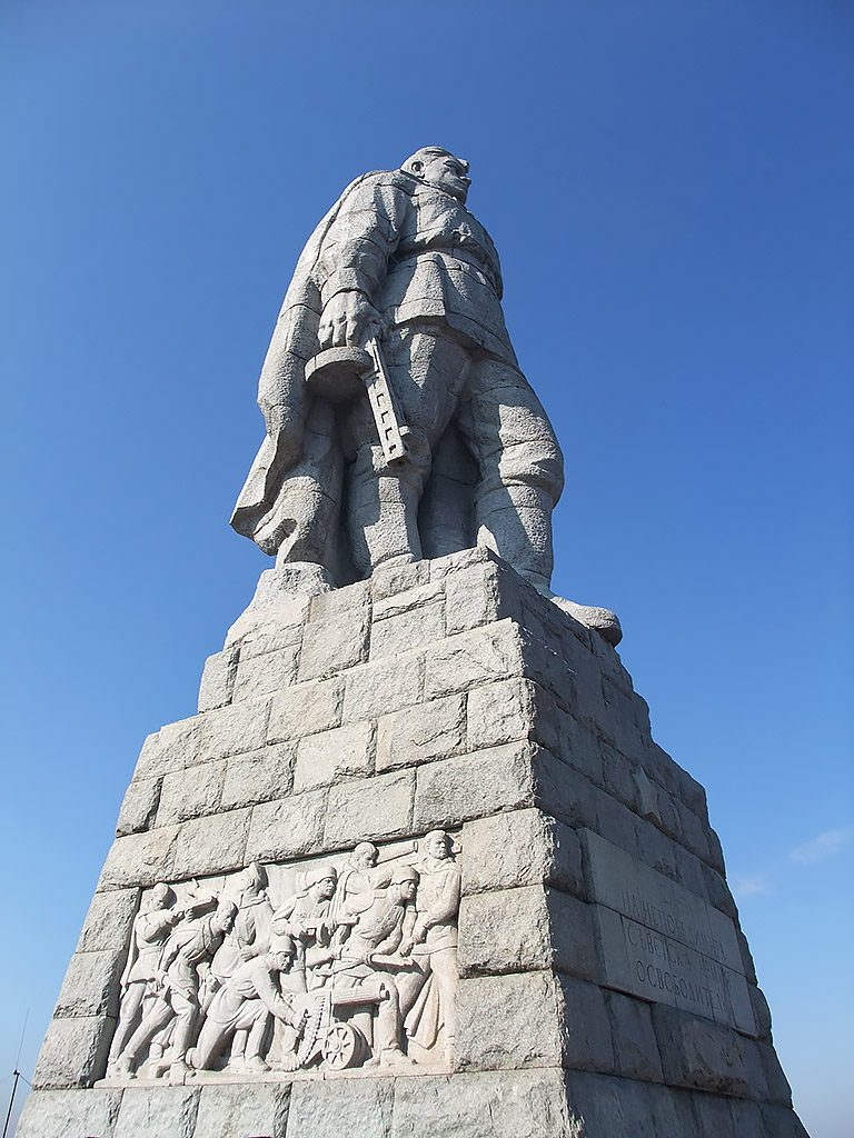 Statue of the unknown Soviet soldier Aliosha